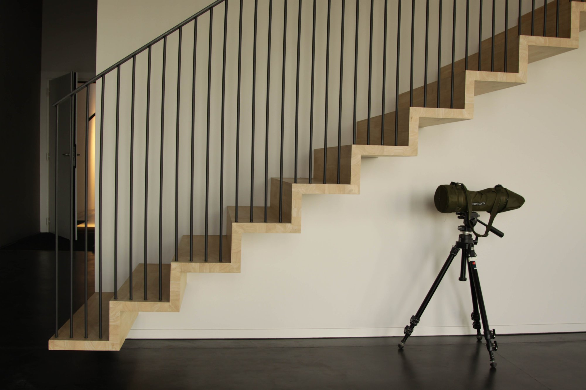 Zwevende Trap Kosten : Zwevende trap gordijnleuning schrijnwerkerij verhoeven