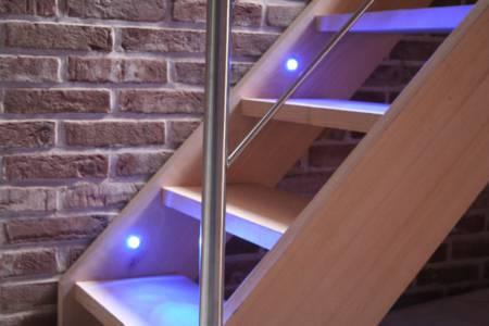 3. Beuken Trap Met Led Verlichting
