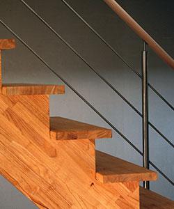 Trappen in gent trappenmaker verhoeven - Metalen trap design hout ...